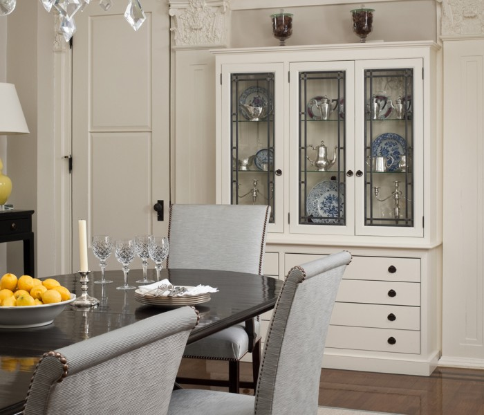 Romantic Revival: Tips for Dramatic and Formal Dining Rooms