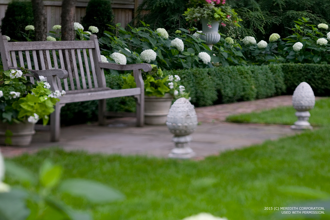 Tips for Creating a Clean, Formal Landscape - bhgrelife.com