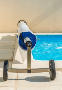 Installing and Maintaining an Energy-Efficient Pool - bhgrelife.com