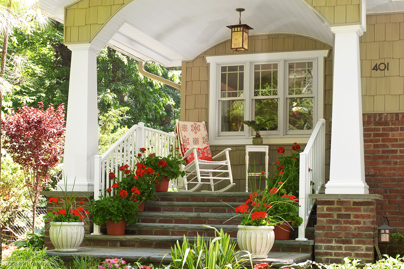 Improve Your Curb Appeal: How to Make a Great First Impression - bhgrelife.com
