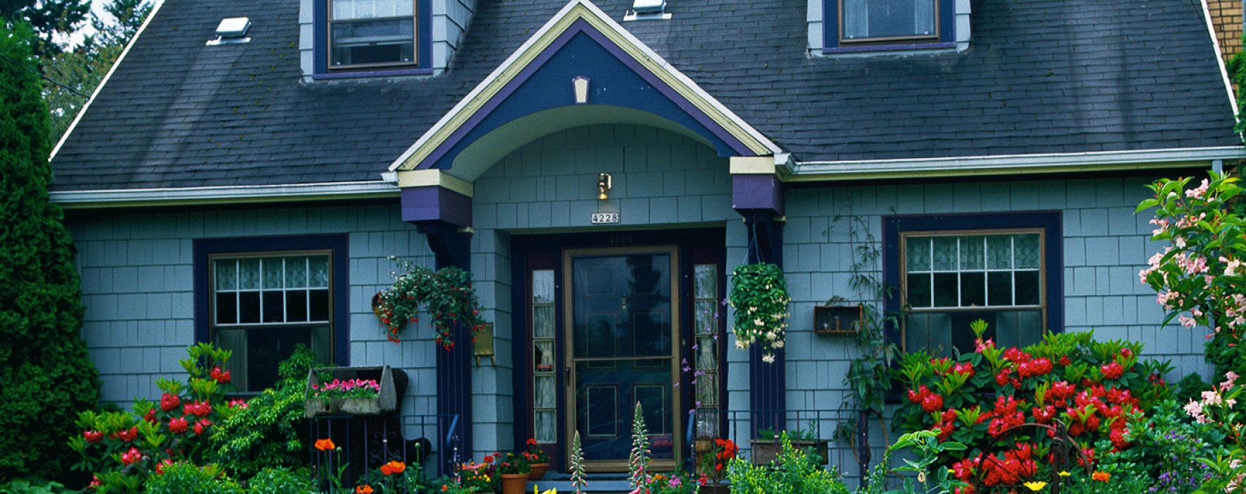 Welcoming front yard flower garden ideas better homes and gardens real estate life - Inviting door color ideas for welcoming the guests in sweeter way ...