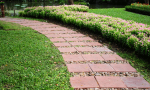 Landscaping Secrets From the Pros - bhgrelife.com