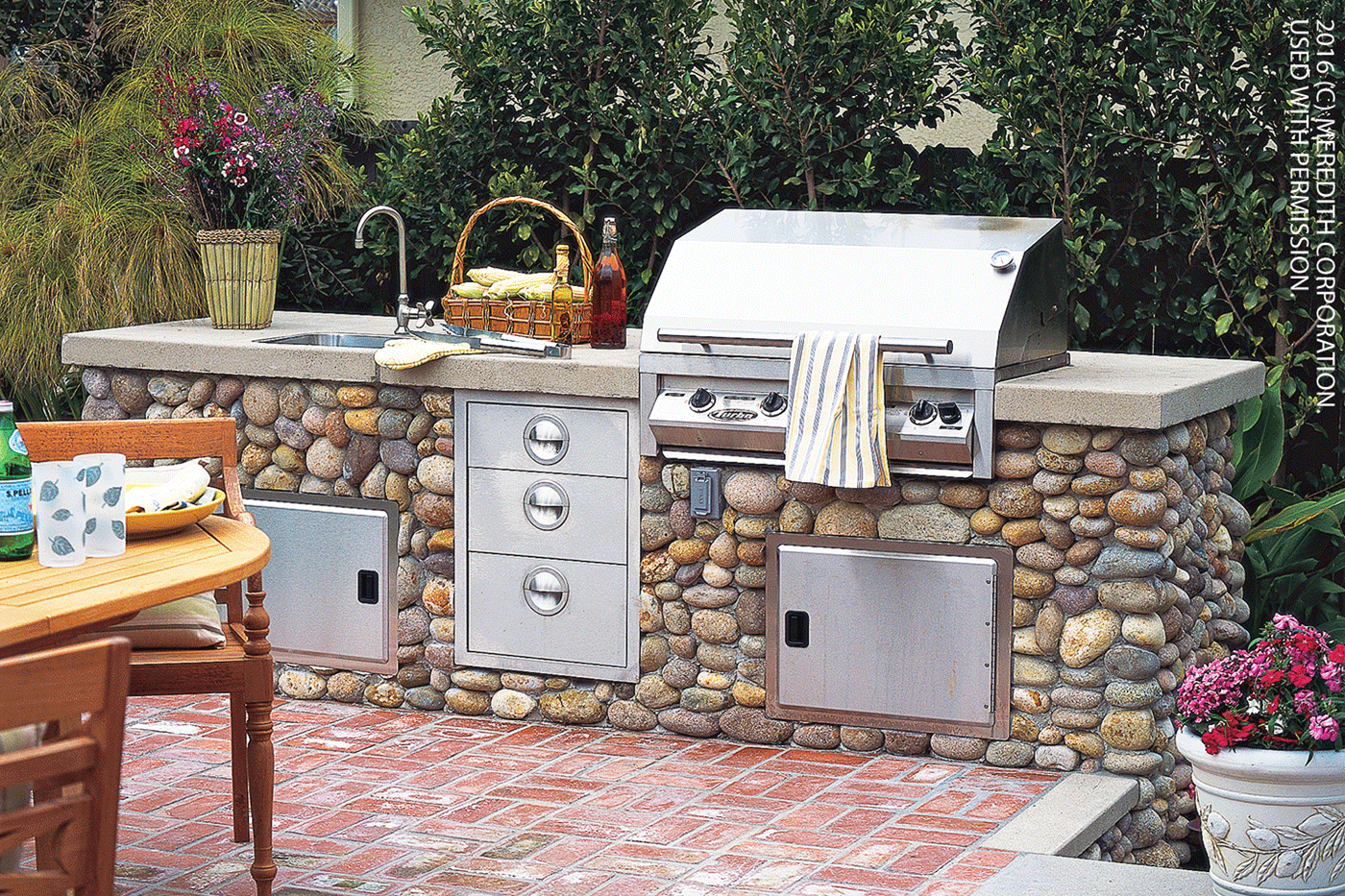 Better homes and gardens outdoor kitchen planning for an for Home and garden kitchen design ideas