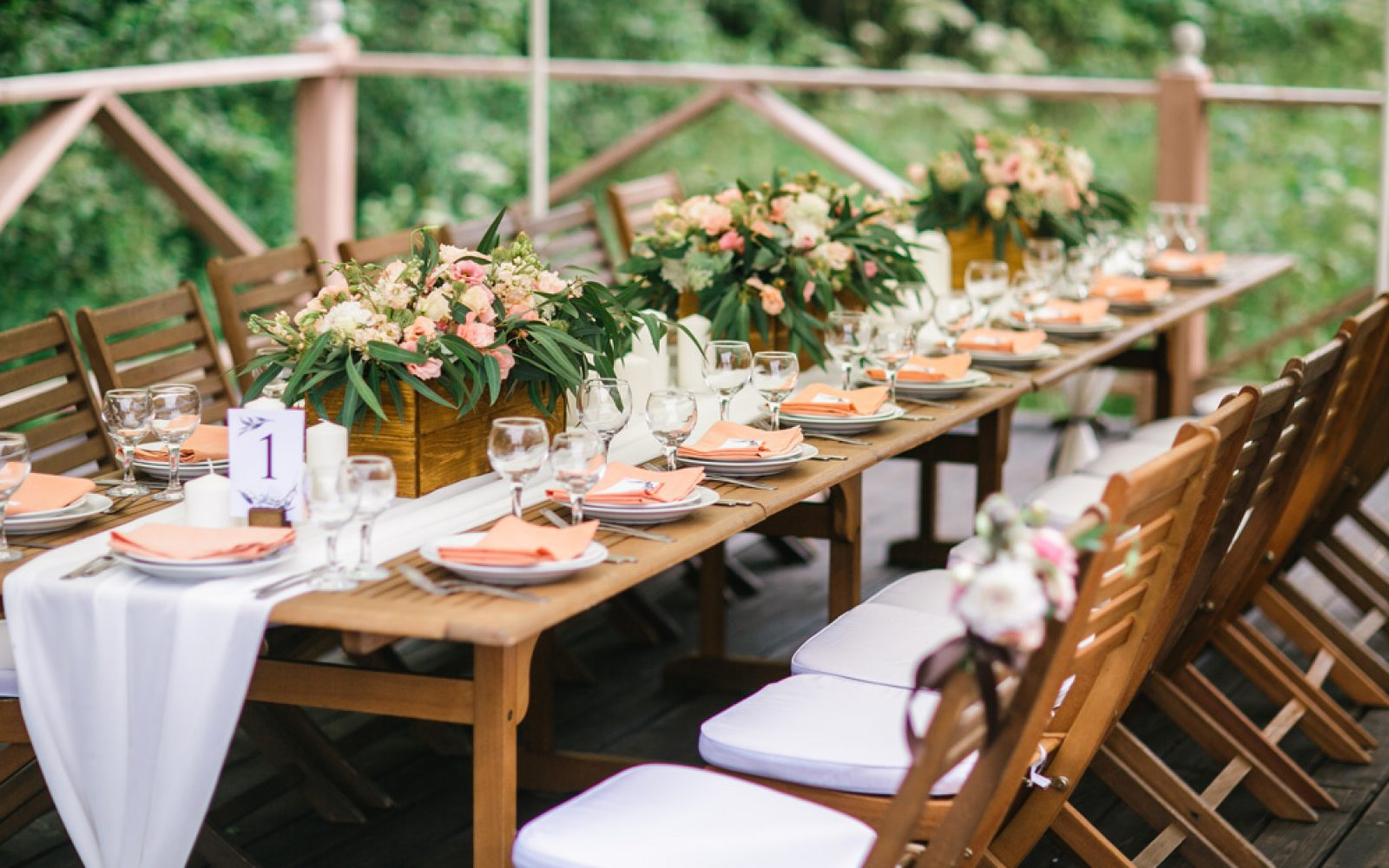 3 Backyard Wedding Themes Youu0027re Going To Love