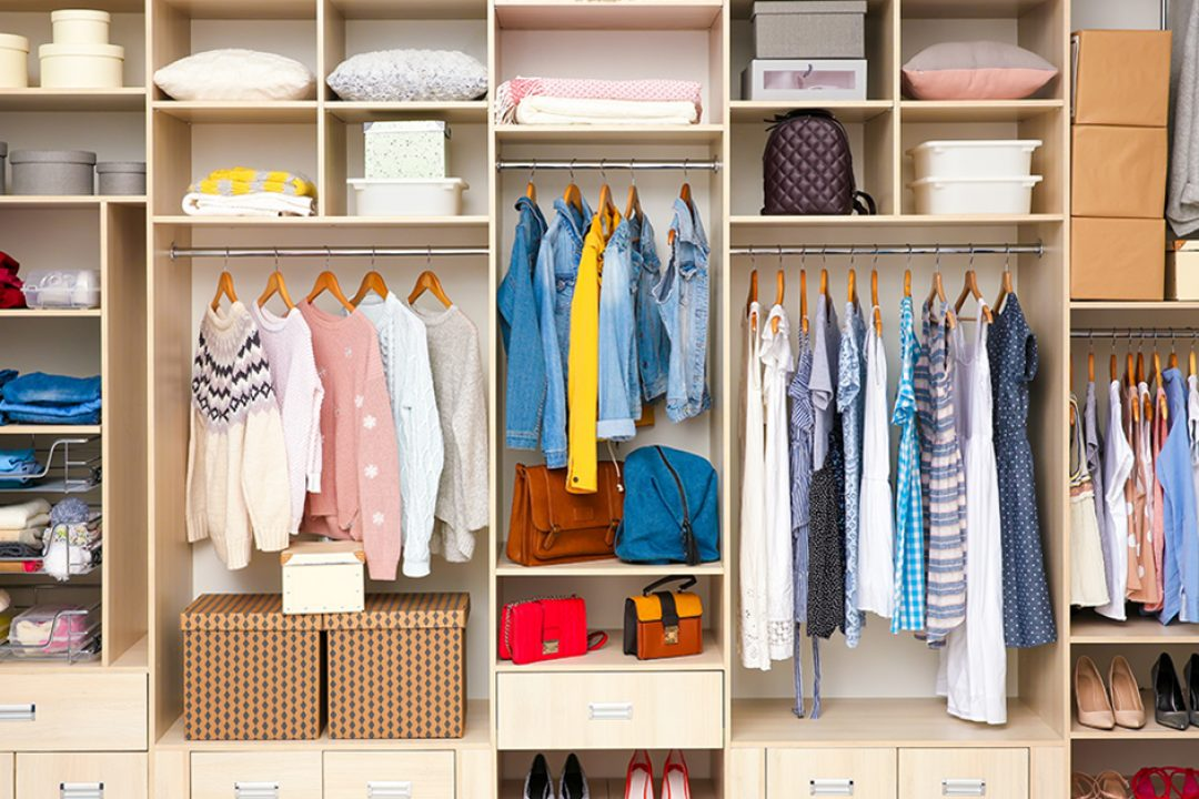 How to organize your closet fast when you move into a new home