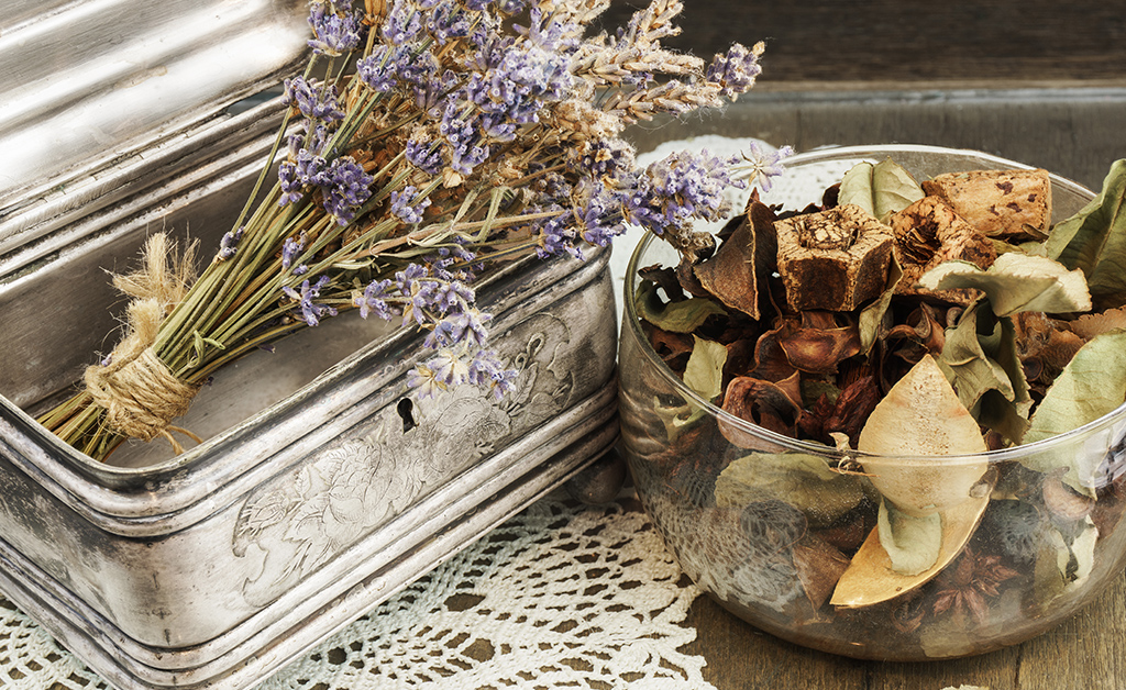 ilver Casket, jewelry/trinket box with potpourri and lavender