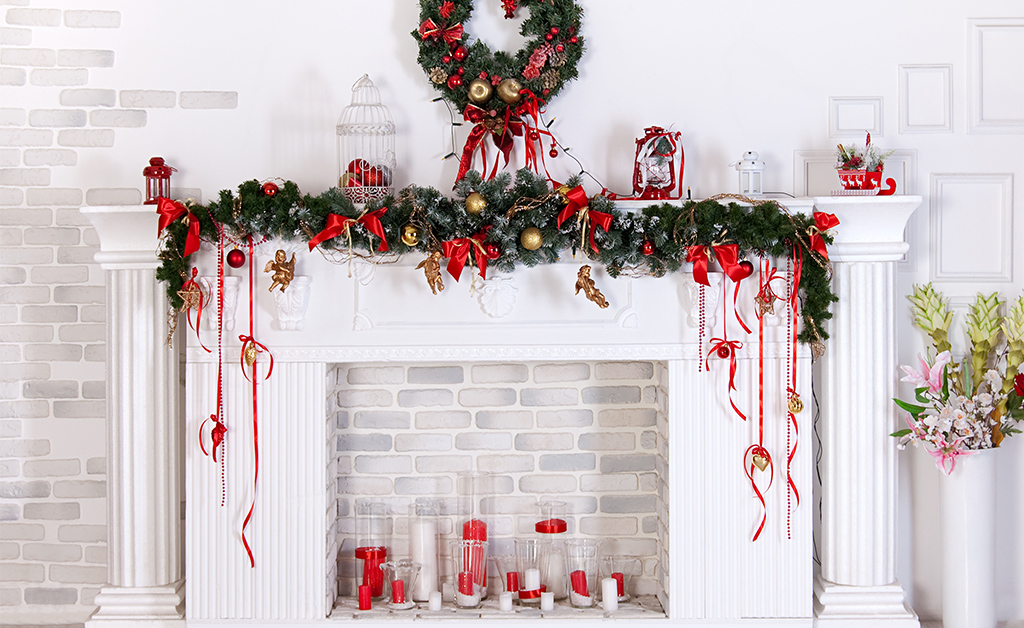 christmas decorated mantel